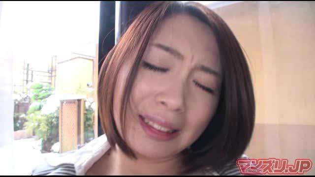 【杏子ゆう】ピッチピチのミニスカで男を挑発!エロお姉様の誘惑オナニー!